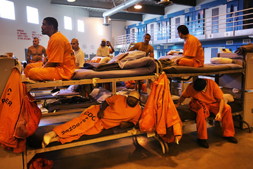 a paper on overcrowded united states prisons The problem of prison overcrowding in the united states the land of the free has 5 % of the world's population, but all overcrowding in prisons essays and term.